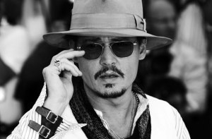 esq-johnny-depp-wearing-white-083111-xlg